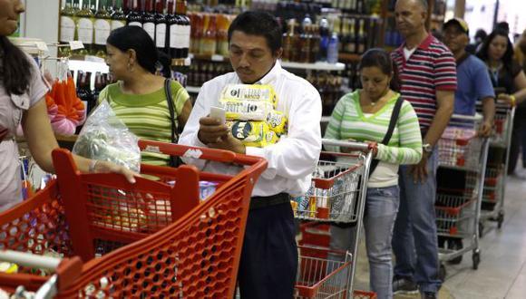 Venezuela: millonaria multa a supermercado por cajas cerradas
