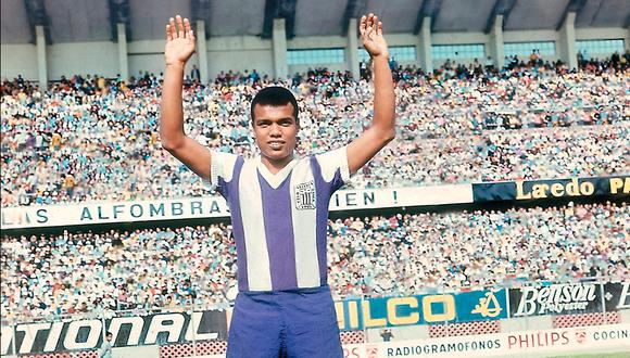 Teófilo Cubillas en Alianza Lima 1969. FOTO: GEC Archivo Histórico.