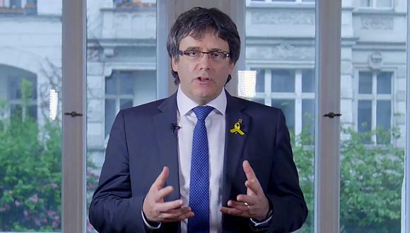 Carles Puigdemont renuncia a ser escogido presidente de Cataluña y designa a Quim Torra como su sucesor. (AFP).