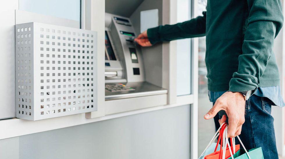 El uso del cajero automático es cada vez menos recurrente.(Foto:El comercio)