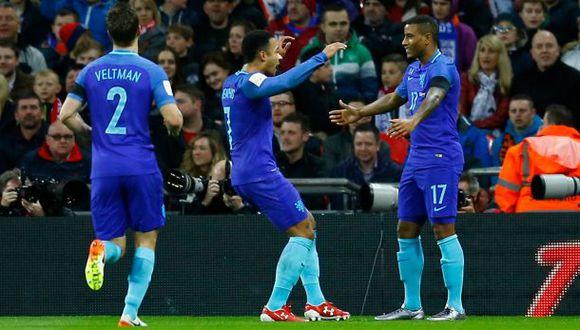 Holanda derrotó 2-1 a Inglaterra en Wembley en duelo amistoso