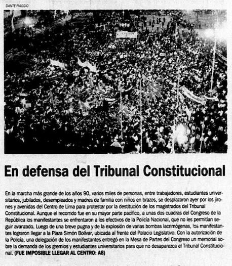 """Así informaba El Comercio al día siguiente la movilización de los universitarios y los gremios: """"La marcha más grande de los 90s"""". (Foto: Archivo Histórico El Comercio)."""