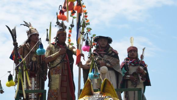 La representación estuvo encabezada por la pareja de actores conformada por el cusqueño Nivardo Carrillo y la puneña Miriam Anahua. (Foto: Carlos Fernández)
