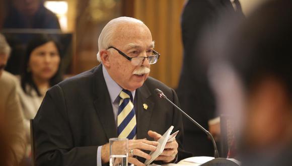 El congresista Carlos Tubino dijo estar preocupado por un posible incumplimiento del acuerdo de colaboración eficaz de parte de Odebrecht. (Foto: Congreso)