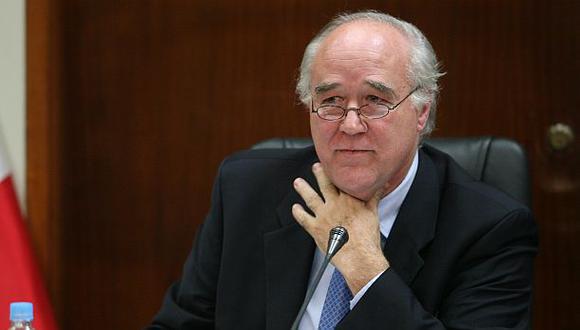 García Belaunde: No se negoció salida de Cornejo por votos