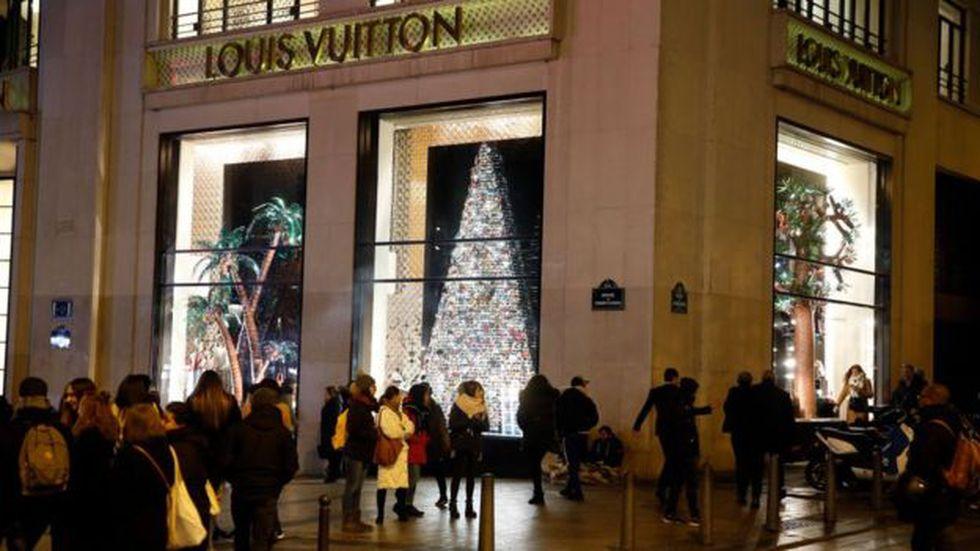 LVHM es el principal fabricante de artículos de lujo del mundo. Foto: Getty images, vía BBC Mundo