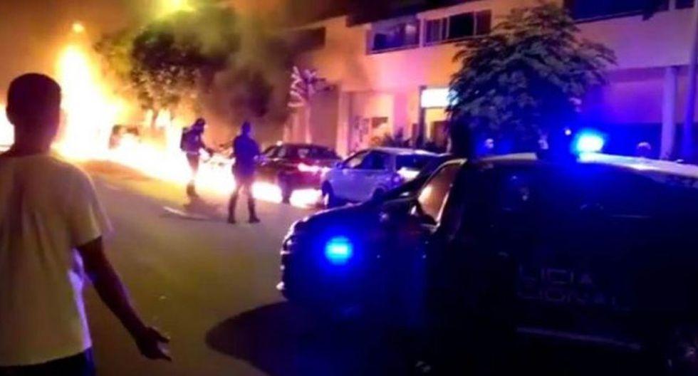 La escena que se ve en el video de Facebook es irreal, ya que se ve que el fuego sigue el camino por donde se derramó la gasolina. (Foto: Facebook)