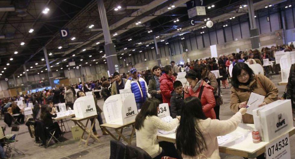 Un total de 974.230 peruanos en el extranjero están habilitados para emitir su voto este domingo 26 de enero. (Foto: EFE)