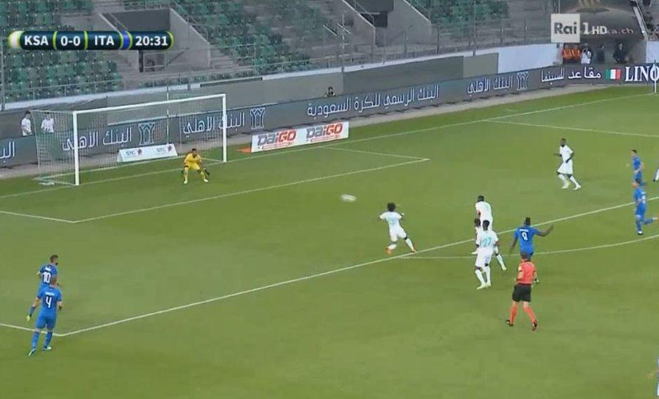Balotelli marcó golazo desde fuera del área en su regreso a la selección de Italia. (Foto: Captura de video)