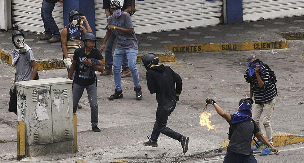 Venezuela: Duros enfrentamientos en calles de Caracas [FOTOS] - 14