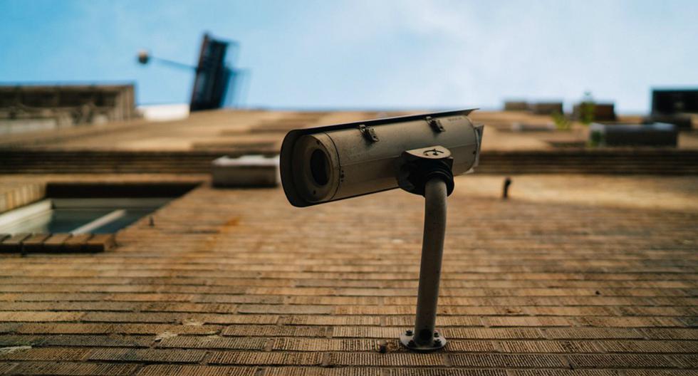 Una de las principales ventajas de las cámaras IP es que se pueden configurar directamente desde la aplicación en el celular y sin necesidad de extender un cable de red. (Foto: Referencial / Pixabay)