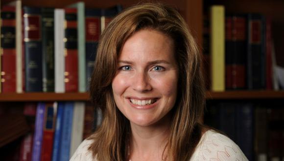 La jueza Amy Coney Barrett, profesora de derecho en la Universidad de Notre Dame, posa en una fotografía sin fecha obtenida de la Universidad de Notre Dame. (Foto: Matt Cashore / Notre Dame University / Handout via REUTERS).