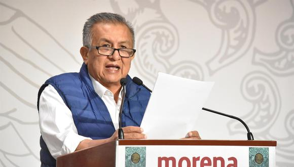 Fotografía fechada el 21 de abril de 2021 y cedida por la Cámara de Diputados, donde se observa al diputado Benjamín Saúl Huerta Corona, mientras una conferencia de prensa, en Ciudad de México (México).  (Foto: EFE/ Cámara De Diputados)