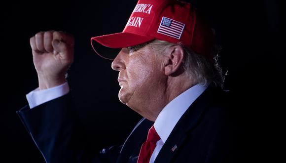 El presidente de Estados Unidos, Donald Trump, durante un mitin Make America Great Again en el Aeropuerto Ejecutivo Miami-Opa Locka, Florida, el 2 de noviembre de 2020. (Foto de Brendan Smialowski / AFP).