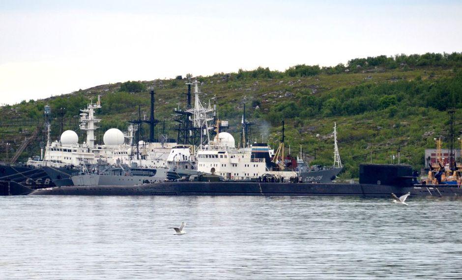 En la imagen, un submarino no identificado en la ciudad de Severomorsk, en Rusia. (Foto: AFP)