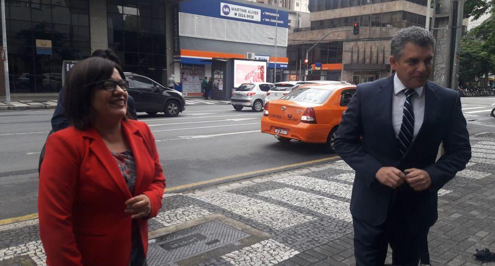 Los fiscales Rafael Vela y Geovana Mori forman parte del equipo especial que ha viajado a Brasil. (Foto: Graciela Villasís / El Comercio)