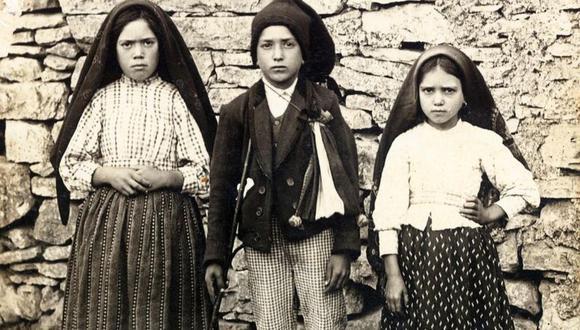 Lucía, Francisco and Jacinta Marto (de izda a dcha), dijeron haber visto a la Virgen María en mayo de 1917. (Foto: AFP)