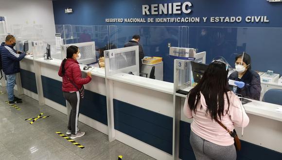 El Reniec explicó que aquellos ciudadanos que han realizado un trámite en sus sedes ubicadas en las regiones en cuarentena podrán recoger su DNI una vez concluida la medida restrictiva. (Foto: Reniec)