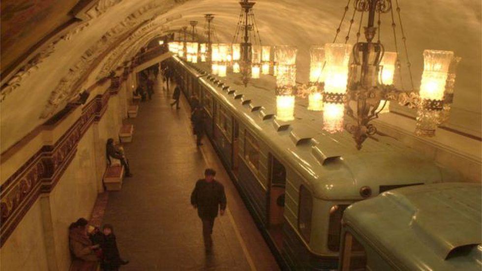 El servicio de metro de Moscú es famoso por su decoración, pero hay una leyenda urbana que sostiene que habría una segunda red subterránea secreta. (Foto: Getty)