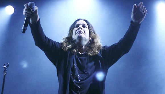 Ozzy Osbourne canceló un concierto que iba a ofrecer el último sábado debido a que tuvo que ser operado de emergencia por una infección en su mano. (Foto: Archivo)