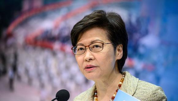 La directora ejecutiva de Hong Kong, Carrie Lam, habla durante una conferencia de prensa en la sede del gobierno el 30 de marzo de 2021. (Foto de Anthony WALLACE / AFP).