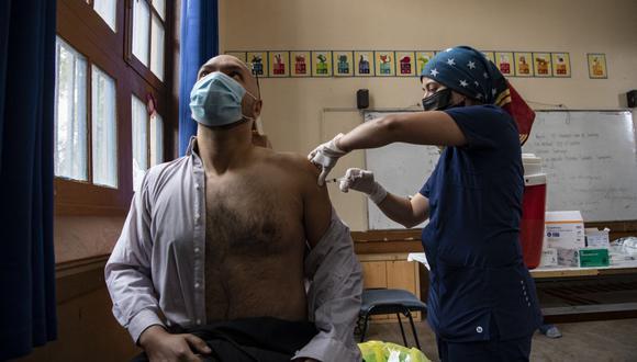 Coronavirus en Chile | Últimas noticias | Último minuto: reporte de infectados y muertos hoy, domingo 28 de febrero del 2021. (Foto: Martin BERNETTI / AFP).