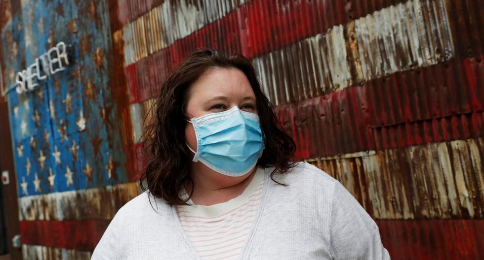 La enfermera Meghan Lindsey posa para un retrato en medio de la pandemia del coronavirus en el distrito de Brooklyn de Nueva York (Estados Unidos), el 4 de mayo de 2020. (REUTERS/Shannon Stapleton)