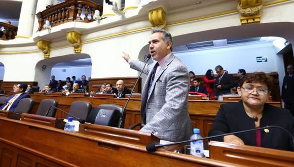 Con la salida de Petrozzi, Fuerza Popular tiene ahora 61 integrantes. (Foto: Congreso)