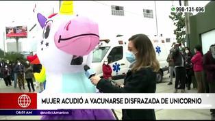 Mujer acudió a vacunarse disfrazada de unicornio y dejó particular mensaje