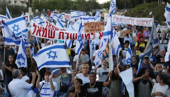 Manifestantes de derecha protestan contra el próximo nuevo gobierno frente a la Knesset, el parlamento israelí, en Jerusalén, Israel. (Foto: Archivo/ EFE / EPA / ABIR SULTAN).