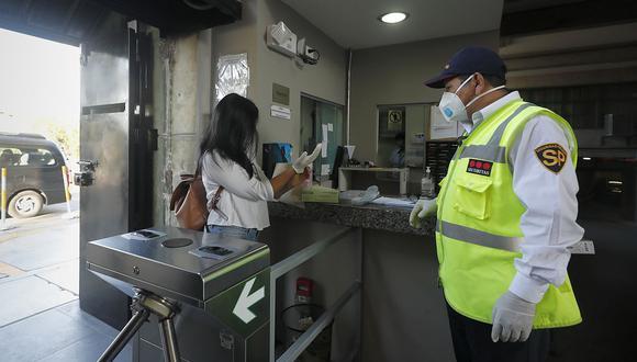 Empresas podrán operar con normalidad durante la cuarentena si remitieron al Minsa su plan de vigilancia COVID-19 y cumplen con protocolos sanitarios. (Foto: GEC)