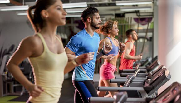 Los gimnasios suelen ofrecer sesiones de entrenamiento funcional o entrenamiento metabólico. Estos ayudan a mejorar la capacidad de los atletas.