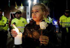 Colombia: Realizan vigilia por fallecidos en el atentado en Bogotá | FOTOS