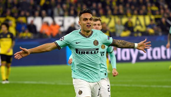 El argentino Lautaro Martínez festeja el 1-0 del Inter de Milán en el campo del Borussia Dortmund. . (Foto: AFP / INA FASSBENDER)