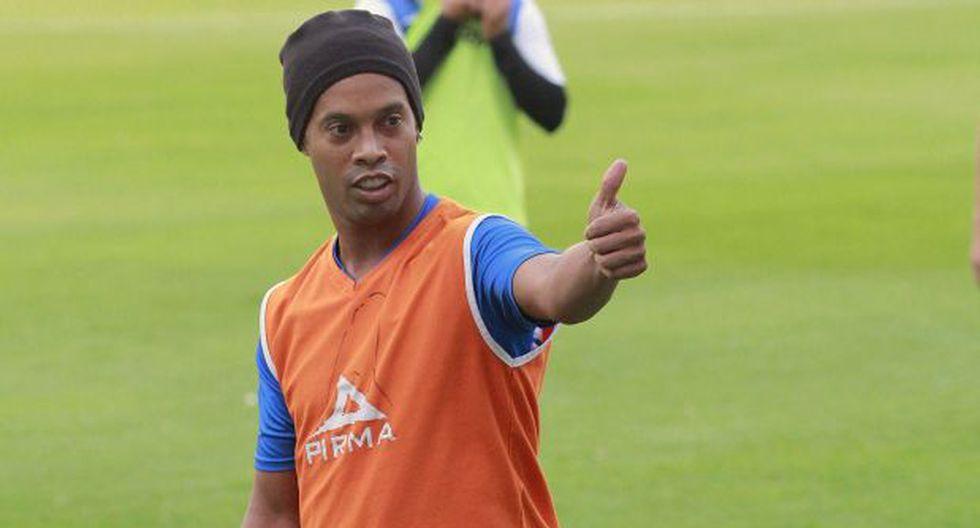 "Ronaldinho no ve partidos de Brasil porque ""no tiene paciencia"""