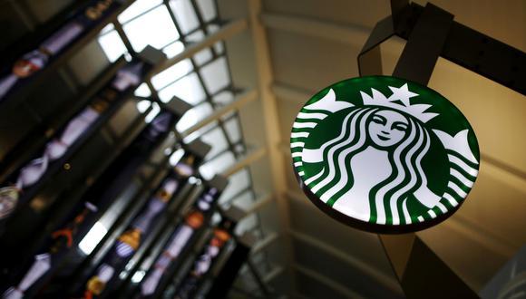 Starbucks cierra 8.000 locales para formar a su personal contra el racismo. (Reuters).