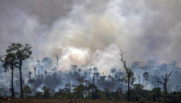 Imagen del 2019. El humo sale de los incendios forestales en Altamira, estado de Pará, Brasil, en la cuenca del Amazonas. (Foto: AFP/Archivo)