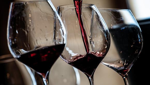 Foto referencial. Algunos vinos no espumosos y varios coñacs y tipos brandy procedentes de Francia y Alemania se ven afectados por estos nuevos aranceles. (JEFF PACHOUD / AFP)