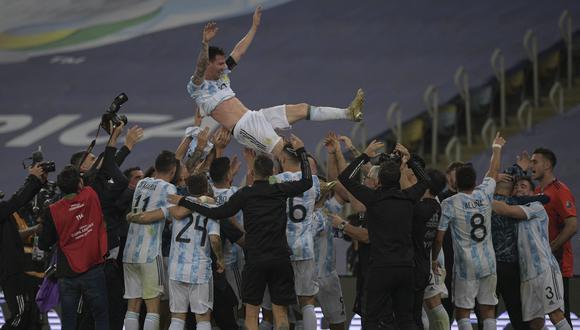 Lionel Messi consiguió su primer título con Argentina ante el clásico rival: Brasil (Foto: AFP)