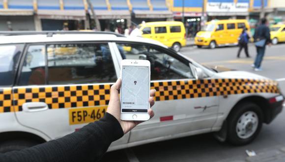Los ciudadanos podrán corroborar vía Internet si el chofer y el vehículo cuentan con el permiso para trasladar al público. (Foto: El Comercio)