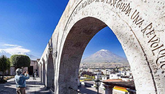 El 2020, debido a la pandemia, ciudades como Arequipa dejaron de recibir turismo internacional, para ser un atractivo con mayoritaria visita de peruanos. (Foto: GEC).