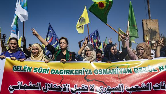 Los kurdos sirios se unen en una manifestación contra las amenazas turcas. (Foto: AFP)