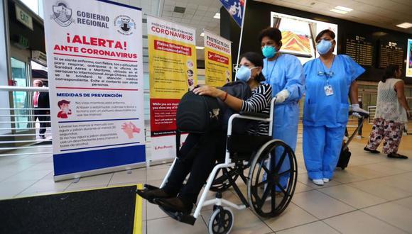 El Minsa realizó la semana pasada una una recreación, en una zona adaptada para el público, de las medidas que se tomarían en caso se detecte que una persona este infectado por coronavirus.  (Foto: Hugo Curotto)