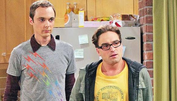 Leonard y Sheldon le rinden homenaje a grandes figuras del cine y la ciencia con sus nombres (Foto: CBS)