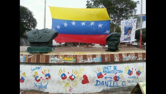 Venezuela: decapitaron monumento de Hugo Chávez en Táchira