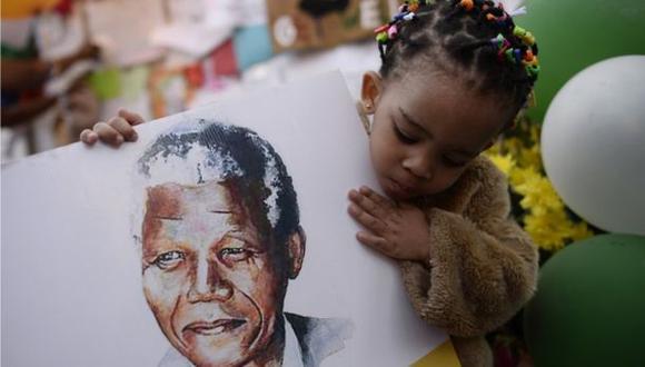 Nelson Mandela: Sudáfrica conmemora el primer año de su muerte
