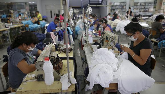 El sector textil-confecciones se encargará de producir indumentaria médica. (Foto: GEC)