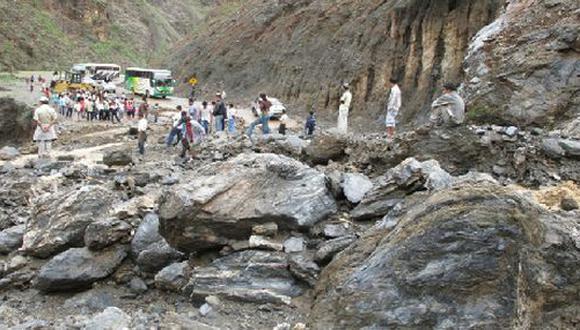 Cajamarca: carretera queda bloqueada debido a fuertes lluvias