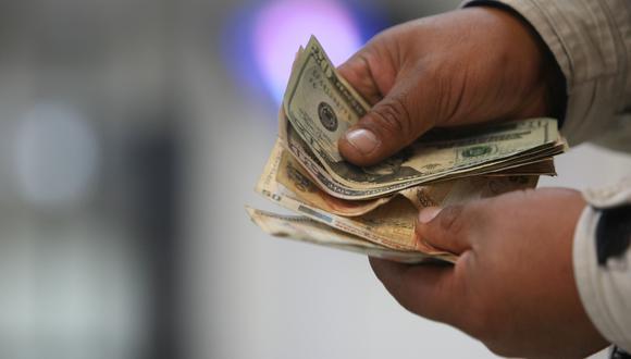 En el mercado paralelo o informal, el tipo de cambio se cotiza a S/3,557 la venta. (Foto: GEC)