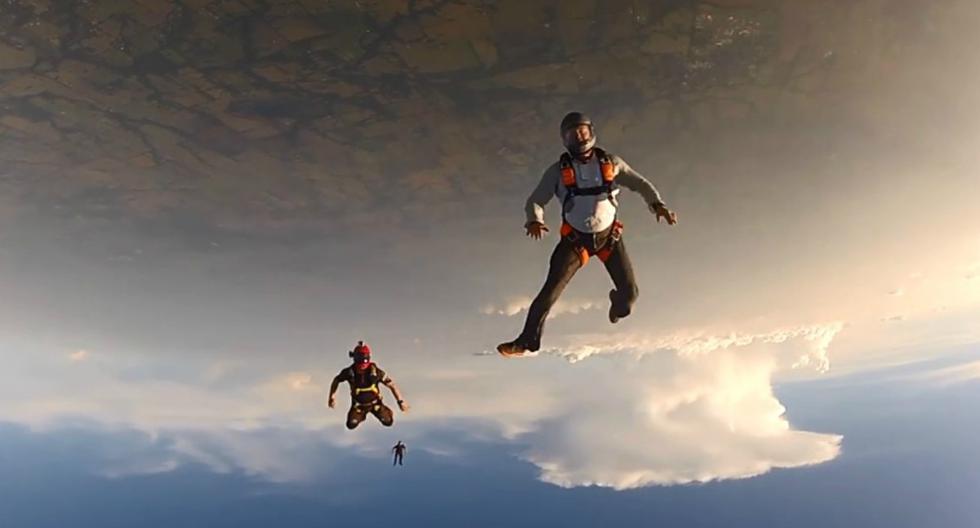 La escena fue registrada en 2014, pero los paracaidistas se animaron a publicar las imágenes recién hace algunas semanas. (Foto: Captura)